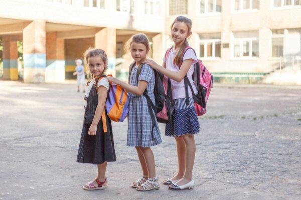 Humanitäre Hilfe und Schulranzen für die Ost-Ukraine