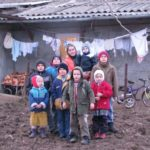 Witwe Katarina Giok mit 8 Kindern